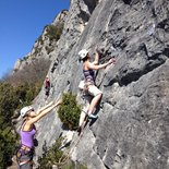 Rock climbing: multi pitch route course in Buis-les-Baronnies (Drôme)