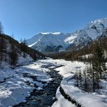 Snowshoeing around Briançon (Hautes-Alpes)
