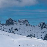 Snowshoe hike on the Coscione plateau in Corsica