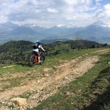 Tour of Monteynard lake and mountain pastures in electric fatbike (Trièves, Isère)
