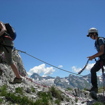 via-ferrata-tour-jallouvre-1.jpg