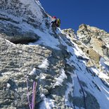 Ice climbing and ruisseling in Aravis (Haute-Savoie)