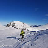 Backcountry & freeride skiing weekend in Bauges (Upper Savoy)