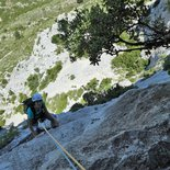 Initiation to multi-pitch route climbing (Eastern Pyrénées)