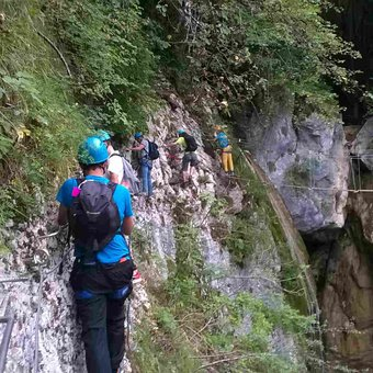 via-ferrata-rocher-envers-saint-vincent-mercuze.jpg