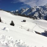 Snowshoeing day (with snack) in Aravis (Upper Savoy)