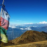 Trekking in the Ganesh Himal massif